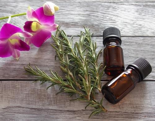 クラリセージ,アロマ,精油,女性ホルモンを整えるアロマアロマテラピー,更年期に効果的なアロマ