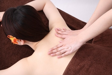 骨盤矯正,リンパマッサージ,整体,エステ,体質改善,更年期障害,浮腫み