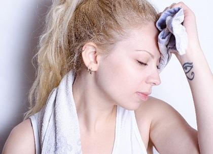 更年期障害,ホットフラッシュ,更年期の症状,汗が止まらない,のぼせ,発汗,更年期に良い漢方薬,ホットフラッシュとは